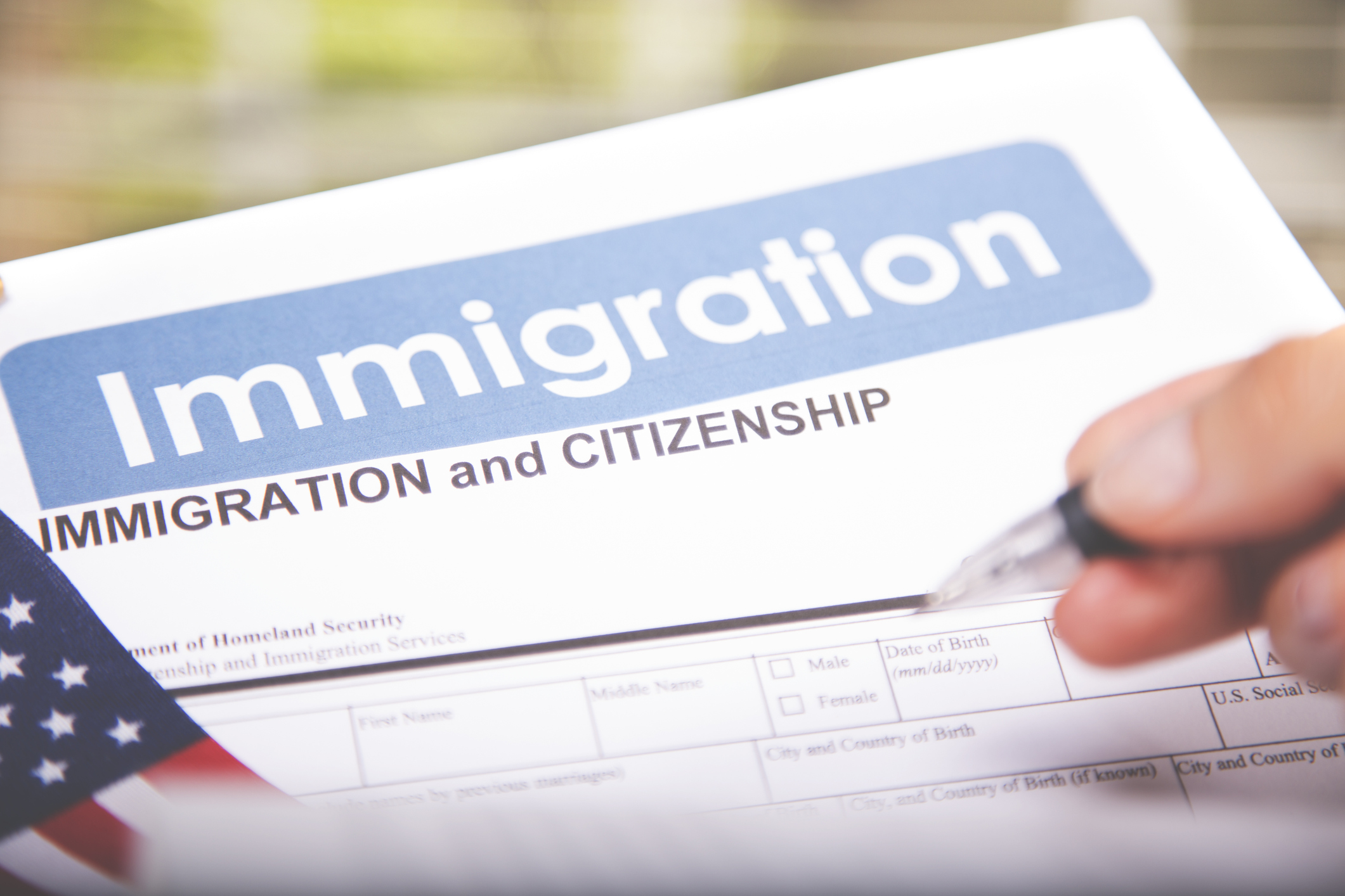 Fast facts regarding applying for U.S. citizenship.